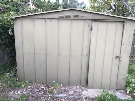 Superb Green Colorbond Garden Shed 2.9 X 2.6 Pavers Floor Vic
