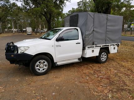 Toyota Hilux sr 4x4 09