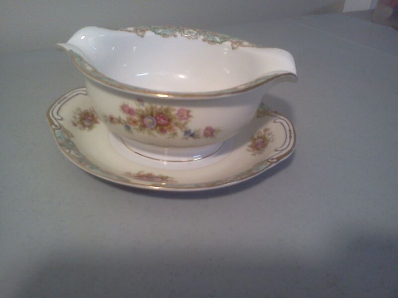 Footo or Jyoto China Floral Gravy boat Gravyboat with under plate OCCUPIED JAPAN