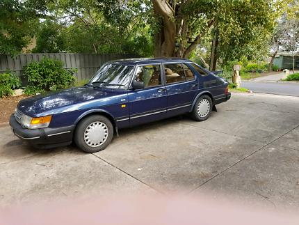 Saab 900i 5 door sedan