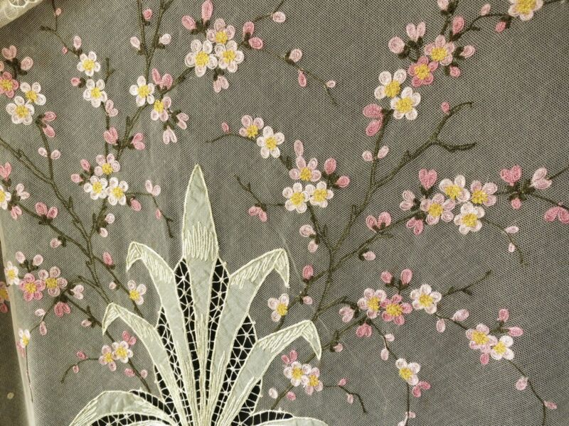 Cherry Blossoms Antique c1930 Tambour Lace Coverlet Full Size