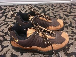 Nike ACG hiking shoes, women's size 9, New condition,