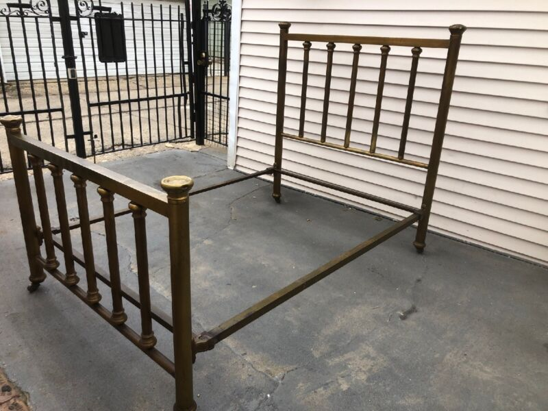 VINTAGE BRASS FULL BED FRAME INCLUDES HEADBOARD, FOOTBOARD, AND RAILS