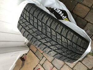 4 pneus d'hiver Goodyear 235/55r17 comme neuf