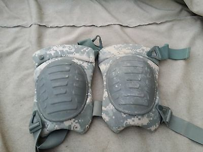 Military Extended Knee Pads Army Issue Digital Camo USED