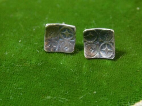 Sterling Silver Stamped design Dainty Square Stud Earrings 8d 128