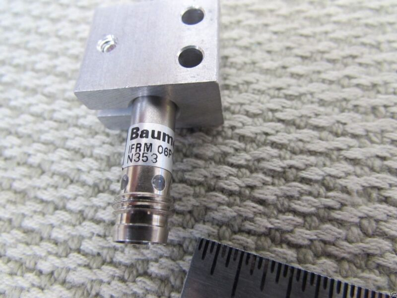 Lot 2 BAUMER ELECTRIC PROXIMITY SENSORS IFRM 06P1703/S35L Brackets Switzerland