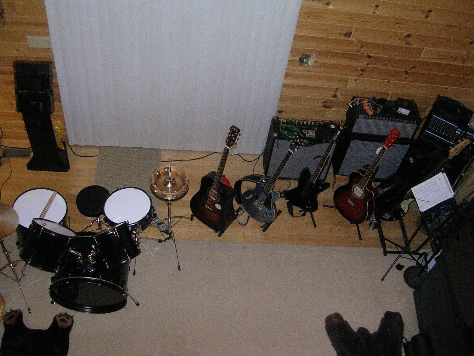 Jaron's Music Plus
