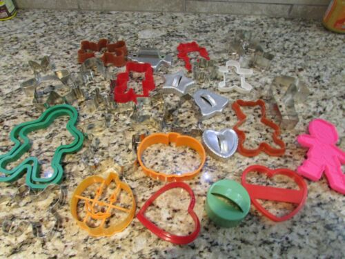 LARGE LOT COOKIE CUTTERS SOME VINTAGE