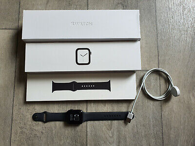 Apple Watch Series 4 44mm A1978 Boxed & Complete Black Sport Band VGC