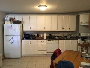$525 Sublet May 1st - Sept 1st!