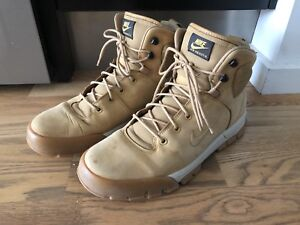 Nike ACG leather boots