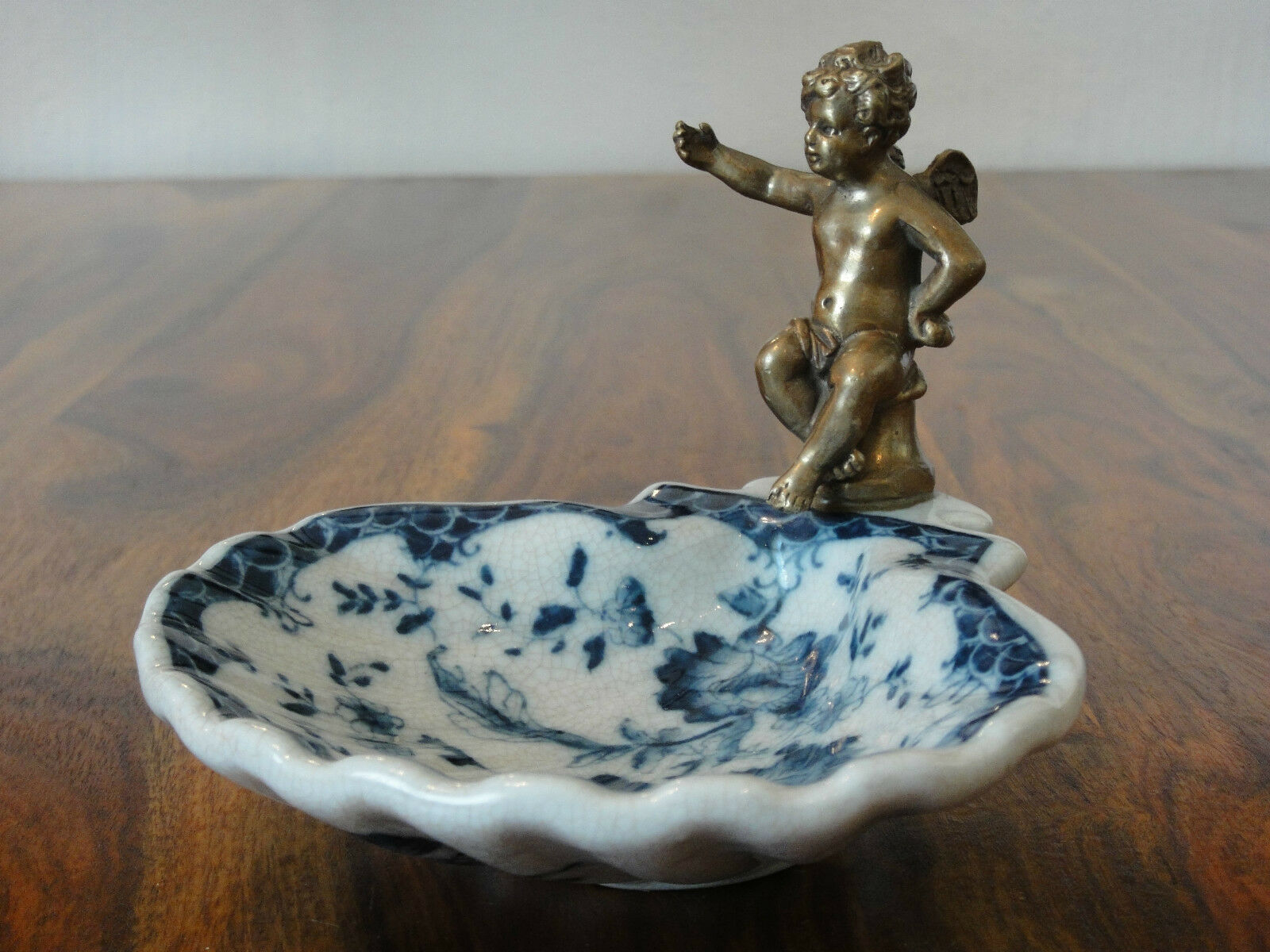 Porzellan Bronze Seifenschale Engel Seifenablage Zwiebelmuster Antik Muschel NEU