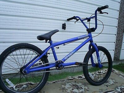 """BOYS MONGOOSE BMX R50 BIKE EX COND WITH NEW SCHWALBE 20"""" TYRES SUIT 7+."""