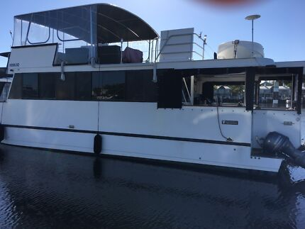 2012 Eagle Cat Home Cruiser/ Houseboat