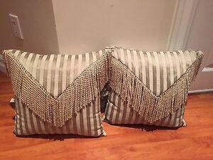 Decorative reversible throw pillows