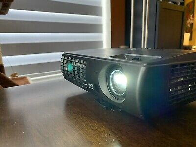 Optoma EP1691 DLP Projector WITH Case, Cables and More! Very Good Condition