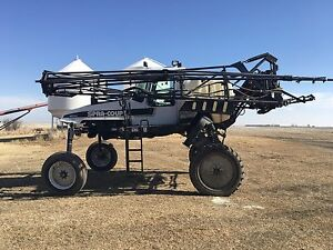 4640 Spra-Coupe High Clearance Sprayer