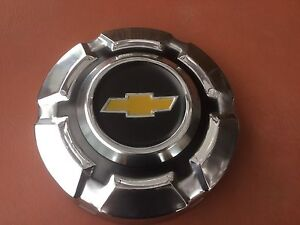NOS Chevy truck/van hubcap