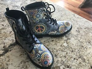 Brand New We Vibe Boots