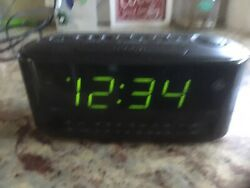 Large green display Radio Dual Alarm Clock model GE 7-4852A Black used