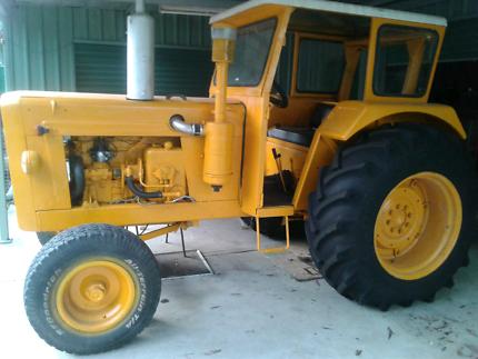 Restored 306 1969 Chamberlain Tractor