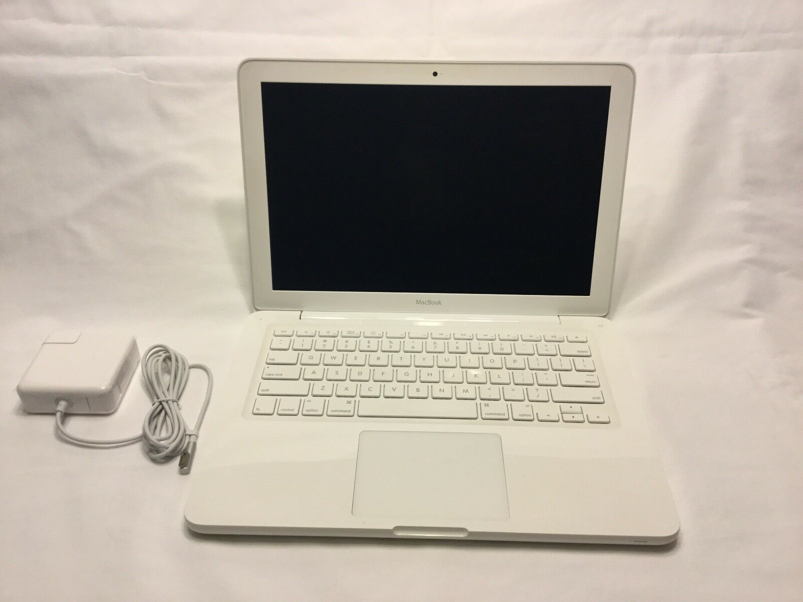 "Apple MacBook Mid 2010 A1342 13.3"" Intel Core 2 Duo  2.4GHz 3GB 250GB"