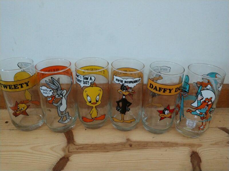 Vintage Rare 1979 & 1980 Warner Bros Looney Tunes Glass Collectors Series