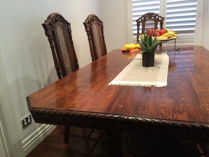 Antique dining table and chairs Niddrie Moonee Valley Preview