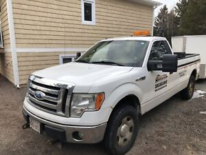 Ford f150 xlt 4x4 8200 with plow!!
