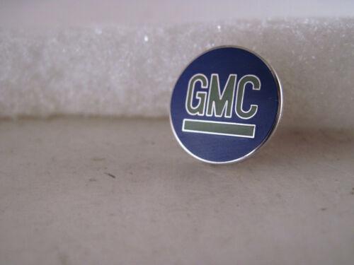 19?? GMC   vintage logo lapel pin   ( 7m19  35 )