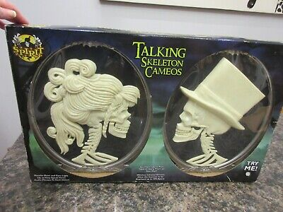 Spirit Talking Skeleton Cameos Halloween Table Prop New Box Hang on Wall RARE