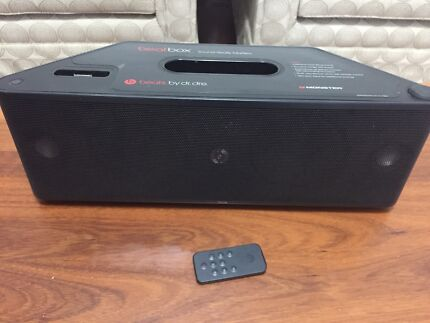 Beat by Dr.dre monster Sounddock Remote $599 sell $249