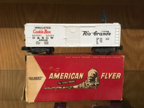 """American Flyer S Scale 25049 White """"Cookie Box"""" Box Car w/Walking Brakeman LNOB"""