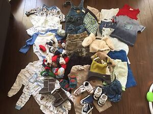Lot of baby clothes, mostly size 6-12m