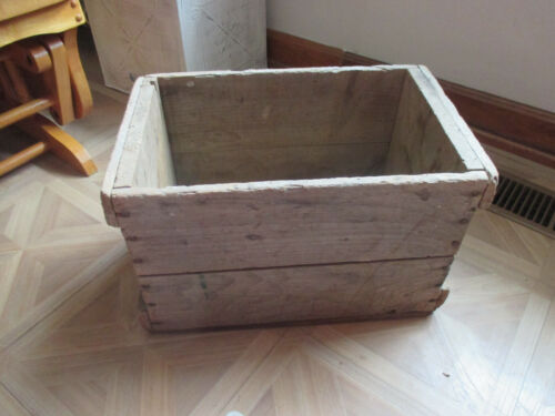 """VINTAGE WOODEN CRATE 17 1/4"""" X 10 3/4"""" x 10 3/4"""" tall"""