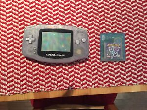 Game boy - Gameboy advance with pokemon crystal