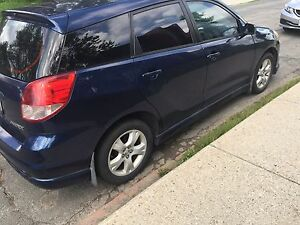Toyota Matrix 2003 asking for $1800