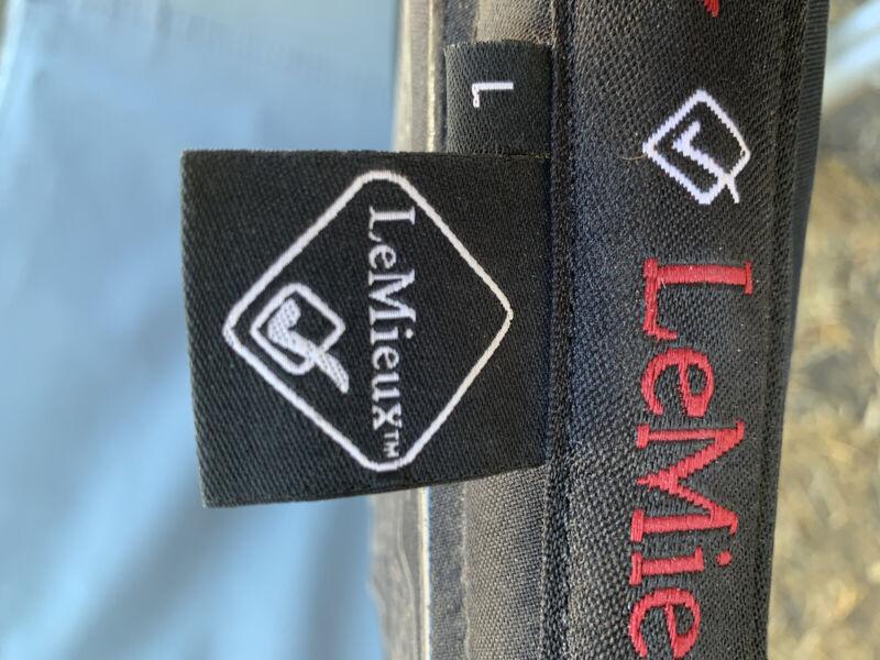 LeMieux Pro Sport X grip system half saddle pad size L Black
