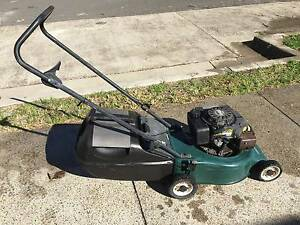 Victa V40 4 Stroke Lawn Keeper Lawnmower Little Bay Eastern Suburbs Preview