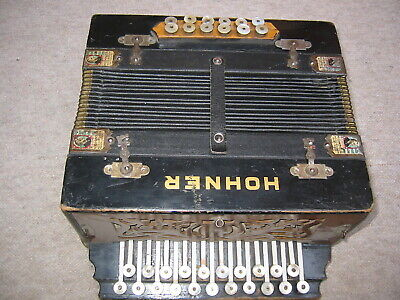 "Very old 2row diatonic button accordion in ""B/Es"" w. pictures of M. Hohner!"