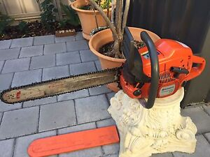 """HUSQVARNA chainsaw 570 , 70cc 20"""" bar cost $1579 sell $899 Inglewood Stirling Area Preview"""