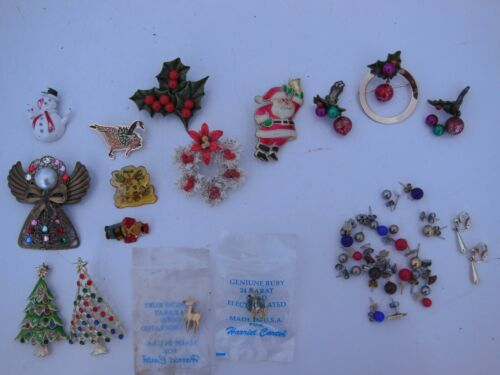 Christmas Costume Jewelry Jeweled Trees Holly Earrings Hong Kong Vintage Lot