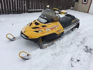2000 skidoo summit 700X with reverse