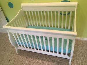 White BILY crib