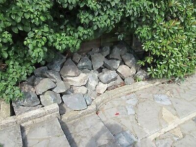 Garden rockery stones..used.. collection only. large, medium and small .