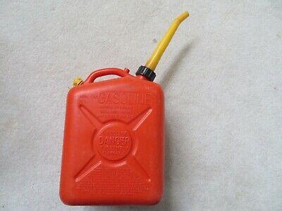 Vintage Scepter 2-12 Gallon Vented Gas Can Model J10 W Spout
