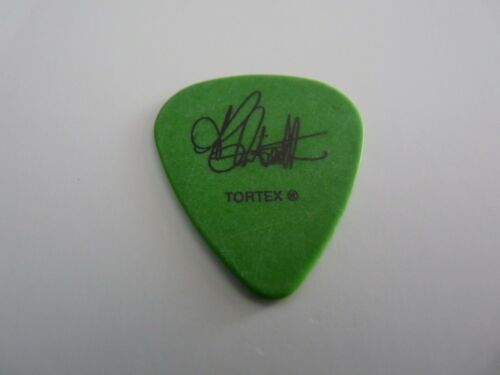 Alanis Morissette authentic 2004 So-Called Chaos TOUR ISSUED GUITAR PICK