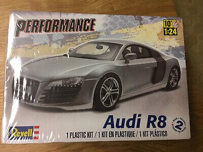 Revell 1:24 Audi R8 Performance Sports Car Model Kit 85-4211 SEALED
