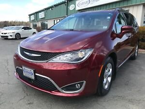 2017 Chrysler Pacifica Touring-L Plus (SPRING CLEAN UP!)
